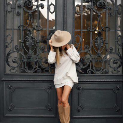 bluza ze spódnicą beżowa