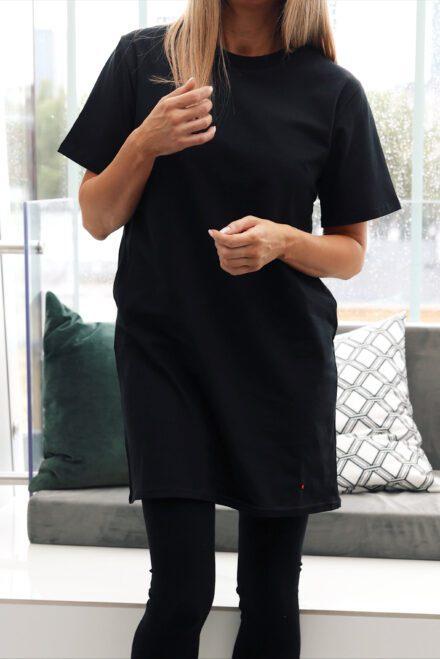 tshirt 1 z balonikiem długi czarny cut