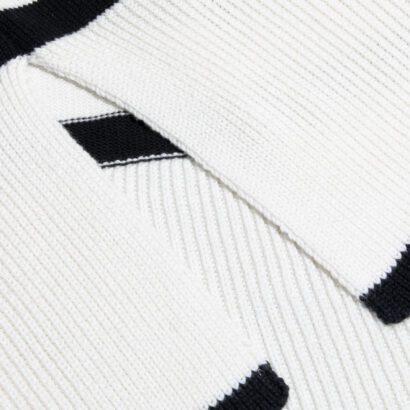 golf 2 czarno-biały w paski detal
